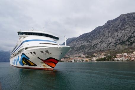 Montenegro-Kotor-Fjord-AIDA_aura-7