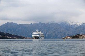 Montenegro-Kotor-Fjord-AIDA_aura-9