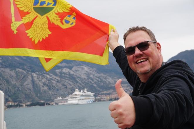 Montenegro-Kotor-Flagge-AIDA-wir-1