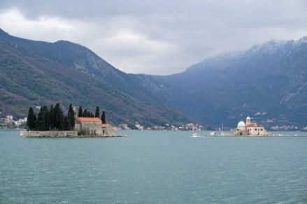 Montenegro-Perast-St_Marien_auf_dem_Felsen-St_Georg-1
