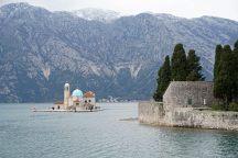 Montenegro-Perast-St_Marien_auf_dem_Felsen-St_Georg-3
