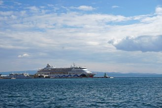 Split-Hafen-AIDAaura-1