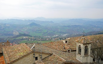 San_Marino-Ausblick-Berge-2