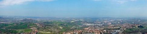 San_Marino-Ausblick_zur_Adria-Panorama-1