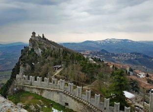San_Marino-Blick_auf_Seconda_Torre-1