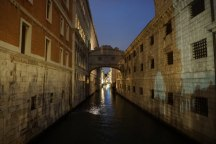Venedig-bei_Nacht-Seufzerbruecke-5