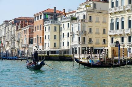 Venedig-Canal_Grande-Gondel-1