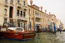 Venedig-Canal_Grande-Gondelfahrt-2