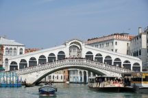 Venedig-Canal_Grande-Rialtobruecke-6