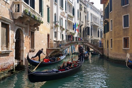 Venedig-Gondel-Kanal-Bruecke-2