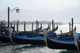 Venedig-Gondeln-1