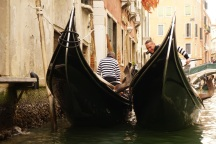 Venedig-Kanal-Gondelfahrt-Gondel-1
