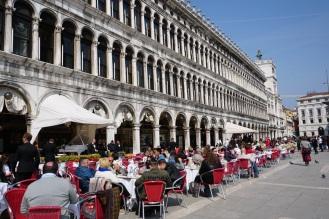 Venedig-Markusplatz-Cafe-1
