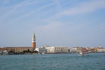 Venedig-Markusplatz-Campanile-Dogenpalast-3