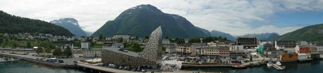 Andalsnes-Ortschaft-Panorama-1