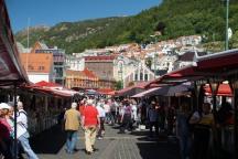 Bergen-Fischmarkt-Staende-6
