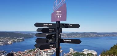 Bergen-Floyen-Aussicht-Wegweiser-1