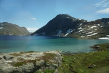 Geiranger-Dalsnibba-Bergsee-Schnee-1