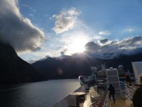 Geiranger-Fjord-Daemmerung-Wolken-3
