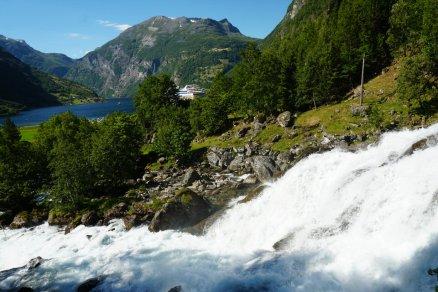 Geiranger-Wasserfall-5