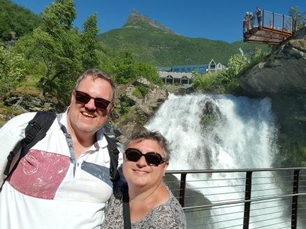 Geiranger-Wasserfall-wir-10