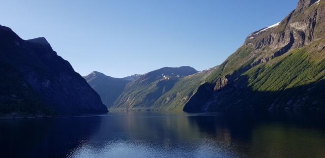 Hellesylt-Fjord-Berge-1