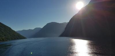 Hellesylt-Fjord-Berge-Sonnenaufgang-3