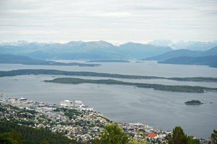 Molde-Varden-Aussicht-vorgelagerte_Inseln-AIDA-4
