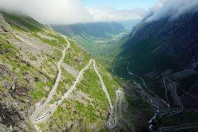 Norwegen-Trollstigen-Aussicht-blauer_Himmel-4
