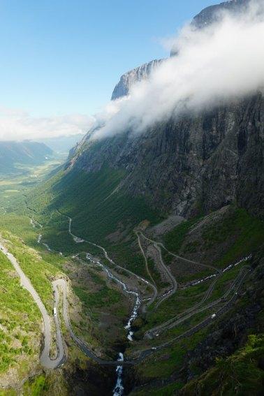 Norwegen-Trollstigen-Aussicht-blauer_Himmel-5