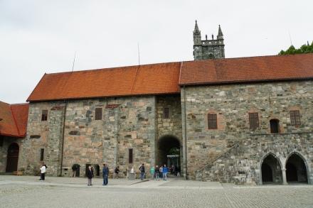 Trondheim-Erzbischoeflicher_Palast-1