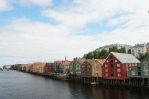 Trondheim-Nidelva-Bakklandet-Speicherhaeuser-1