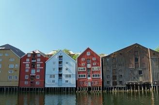 Trondheim-Nidelva-Bakklandet-Speicherhaeuser-5