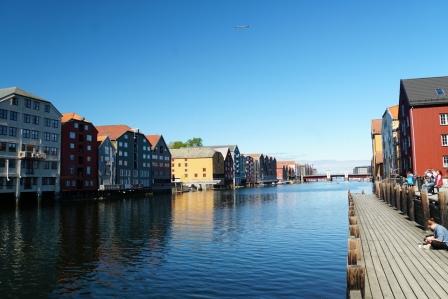 Trondheim-Nidelva-Bakklandet-Speicherhaeuser-6