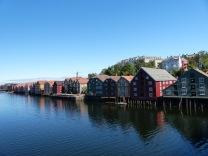 Trondheim-Nidelva-Bakklandet-Speicherhaeuser-7