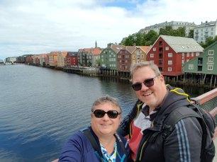 Trondheim-Nidelva-Bakklandet-Speicherhaeuser-wir-2