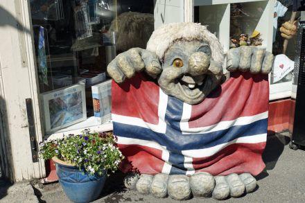 Trondheim-Troll-Norwegen-Flagge-1