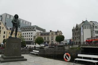 Alesund-Innenstadt-Statue-1