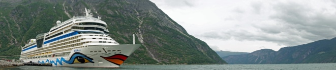 Norwegen-Eidfjord-AIDAsol-Panorama-3