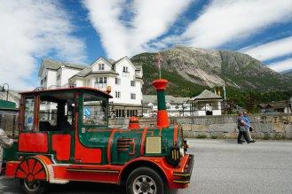 Norwegen-Eidfjord-Bimmelbahn-Trollzug-2