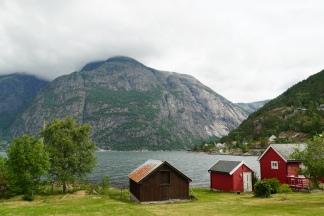 Norwegen-Eidfjord-bunte_Haeuser-1
