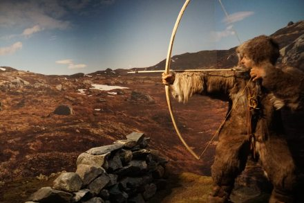 Norwegen-Eidfjord-Hardanger_Naturcenter-Ausstellung-Jaeger-1