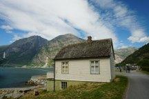 Norwegen-Eidfjord-Haus-Landschaft-1