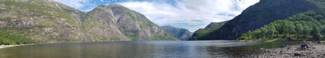 Norwegen-Eidfjord-Wanderweg_gelb-Eidfjordsee-Panorama-3