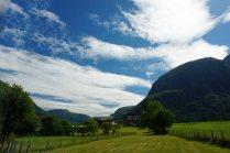 Norwegen-Eidfjord-Wiesen-Berge-1