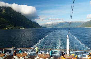 Norwegen-Hardangerfjord-AIDA-Fahrrinne-1