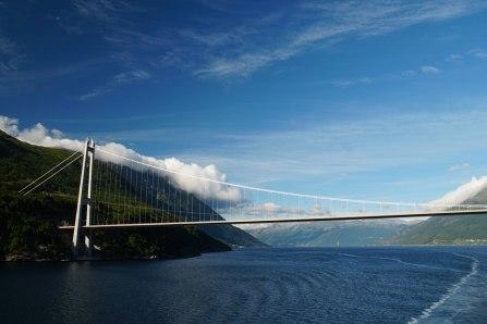 Norwegen-Hardangerfjord-Bruecke-1