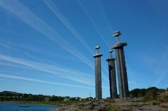Norwegen-Stavanger-3_Schwerter_Monument-2