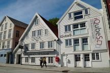 Norwegen-Stavanger-Gamle_Stavanger-Altstadt-weisse_Holzhaeuser-2