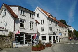 Norwegen-Stavanger-Gamle_Stavanger-Altstadt-weisse_Holzhaeuser-4